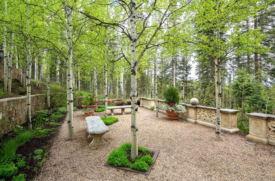 414 Italian Style Villa South Garden - Mountain Residence in Colorado