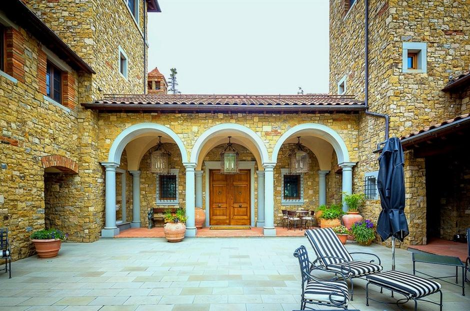 414 Italian Style Villa Courtyard - Mountain Residence in Colorado