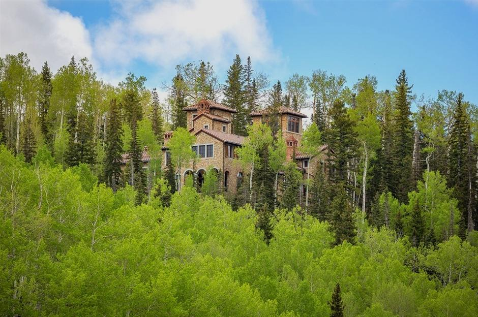 414 Italian Style Villa in the Trees - Mountain Residence in Colorado