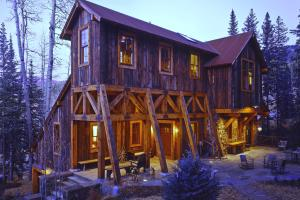 921 Mining Style Ski Home - Mountain Residence in Colorado